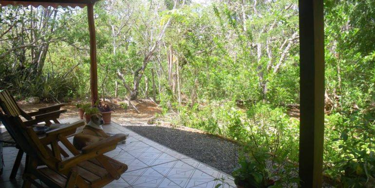 Casita-front-patio