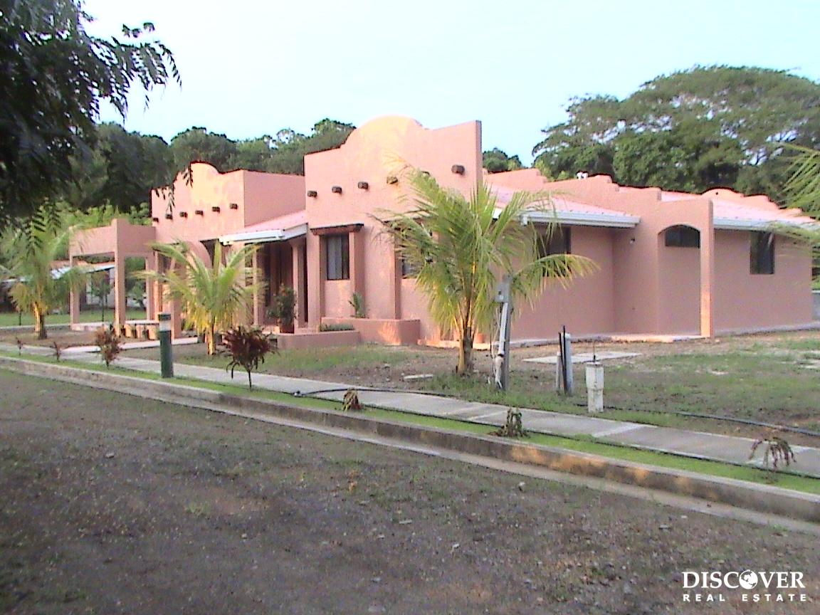 Pueblo Santa Fe Development Houses and Lots