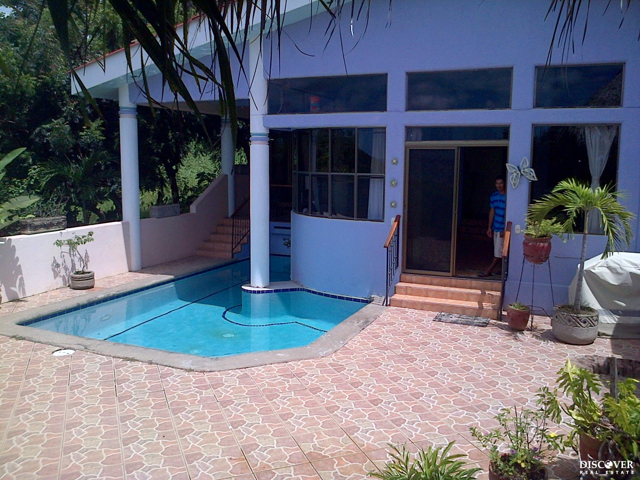 Private 3 Bedroom House for Rent Below El Jardin<span class=