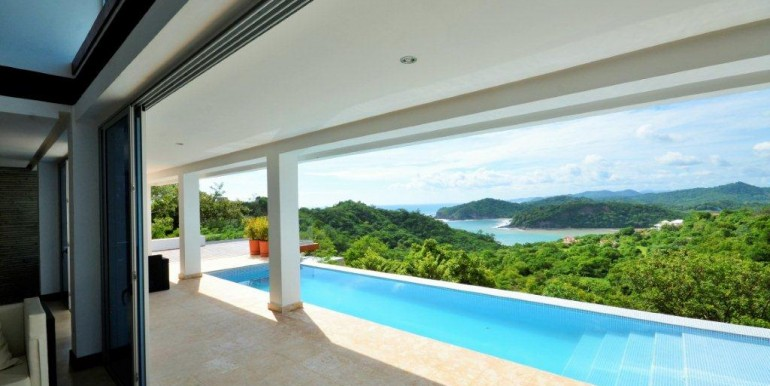 4 Bedroom Luxury Home in Pacific Marlin