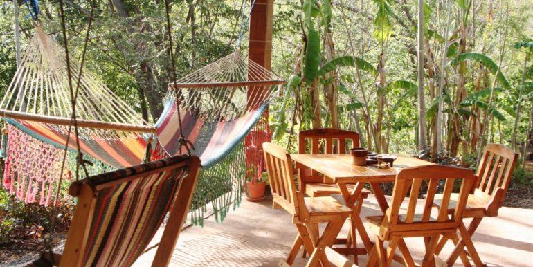 Jungle-Cabanas-patio