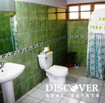 Surf Lodge Bathroom