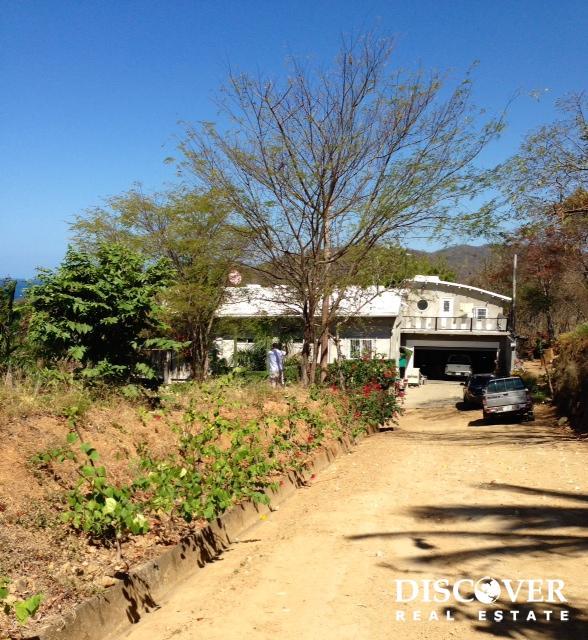 Corner Lot on Playa Yankee Surf Beach
