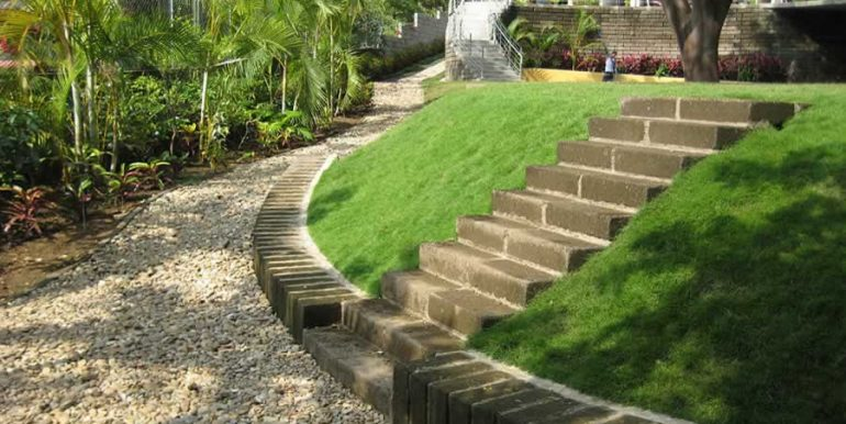 talanguera_townhomes_garden_copa_stairs
