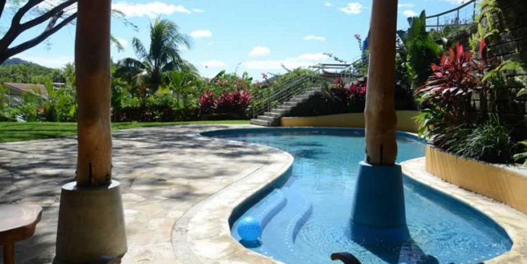talanguera_townhomes_grotto_pool_west2