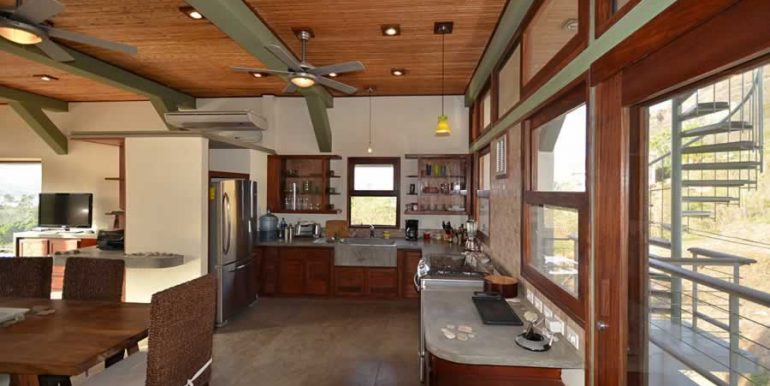 talanguera_townhomes_kitchen_west