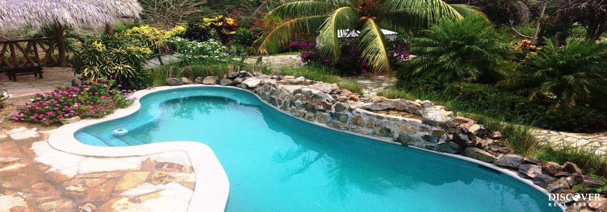 Great Garden Spaces and Custom Pool