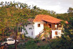 Casa Pluma Azul House