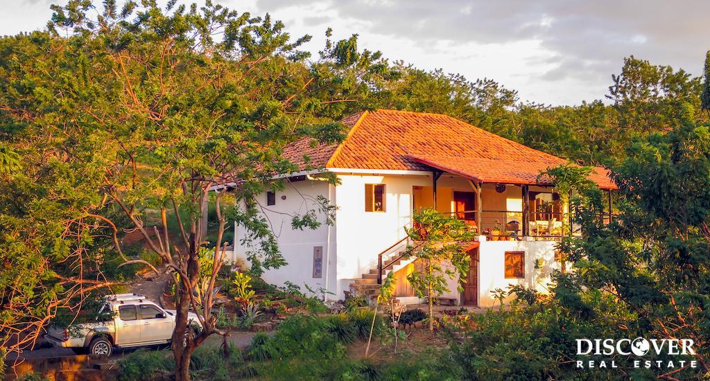 Casa Pluma Azul – Gorgeous Westerly Ocean View – Walk to the Beach!
