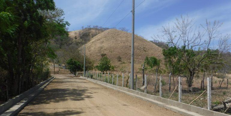 carretera de la entrada principal a Prados Hills