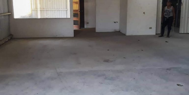 Commercial Warehouse For Rent