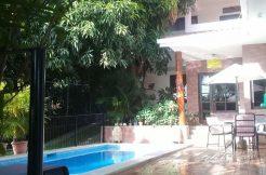 Casa Colibri Pool and patio area