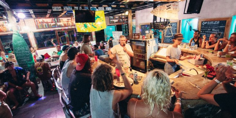 Casa de Olas Bar