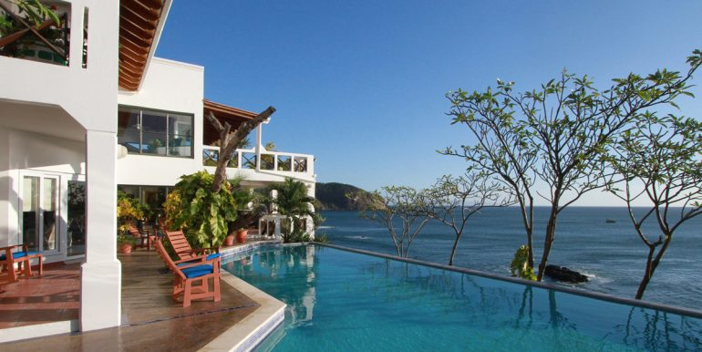 Casa Sacuanjoche Ocean Front Estate Pool