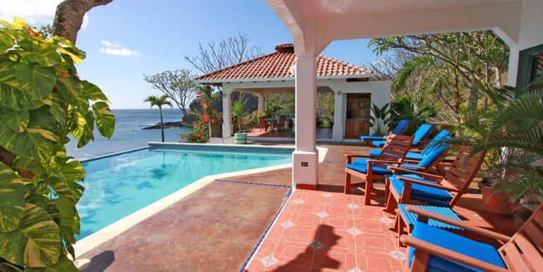 Casa Sacuanjoche Ocean Front Estate Patio