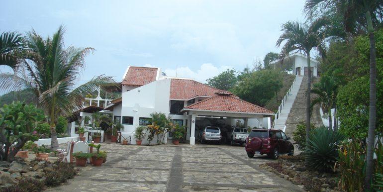 Casa Sacuanjoche Ocean Front Estate Parking