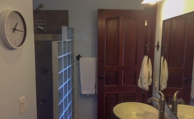 Casa Bacilon Bathroom