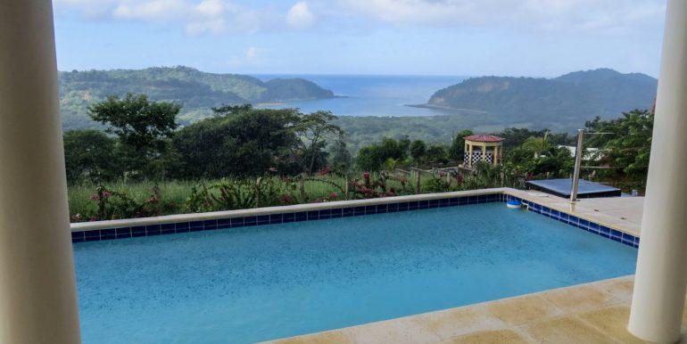 Casa Bacilon Rain View