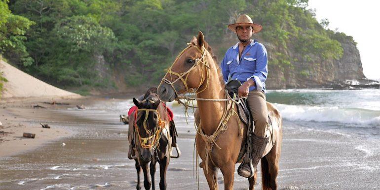 Casa-Del-Sol_Marsella-Horse-Back-Riding-2
