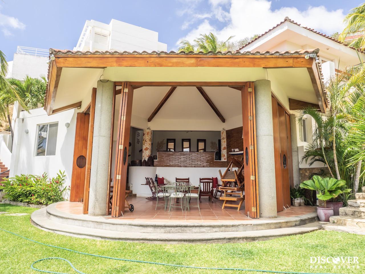 Casa Bella Bahia &#8211; 6 Bedroom House for Rent. Sleeps 14!<span class=