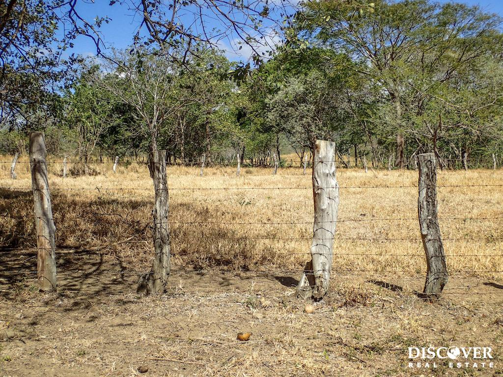 1 Manzana Lot for Sale in front of Surf Ranch<span class=
