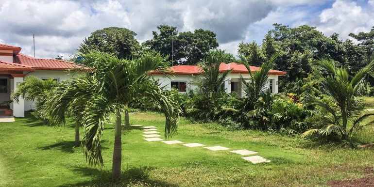 Las Delicias Neighboring Houses