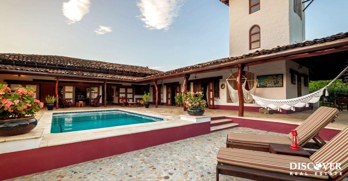 8.6 Acre Turn Key Equestrian Estate for Sale in Escamequita