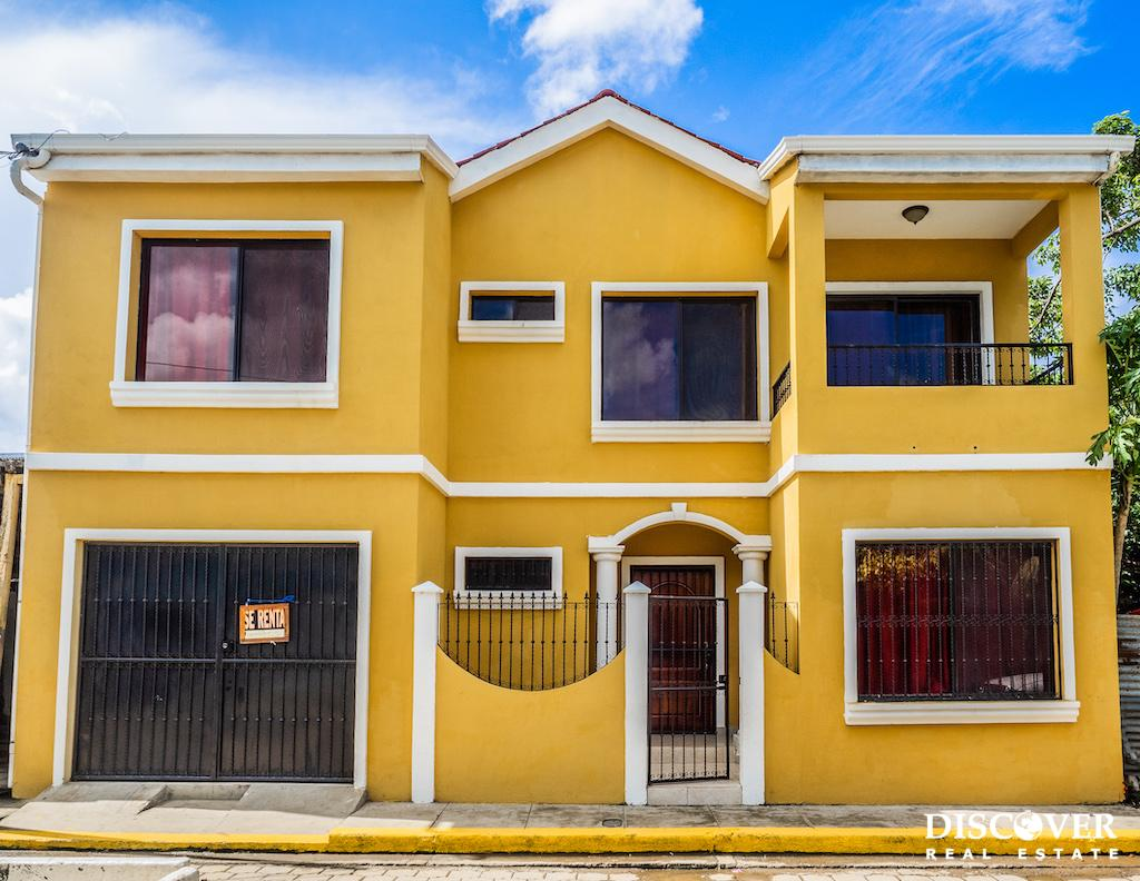 2 Story Centrally Located House With a Garage in San Juan del Sur