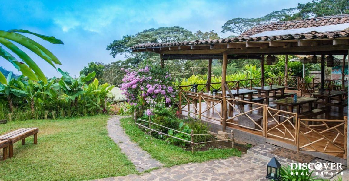 Finca Esperanza Verde – 247 Acre Eco Lodge & Coffee Farm