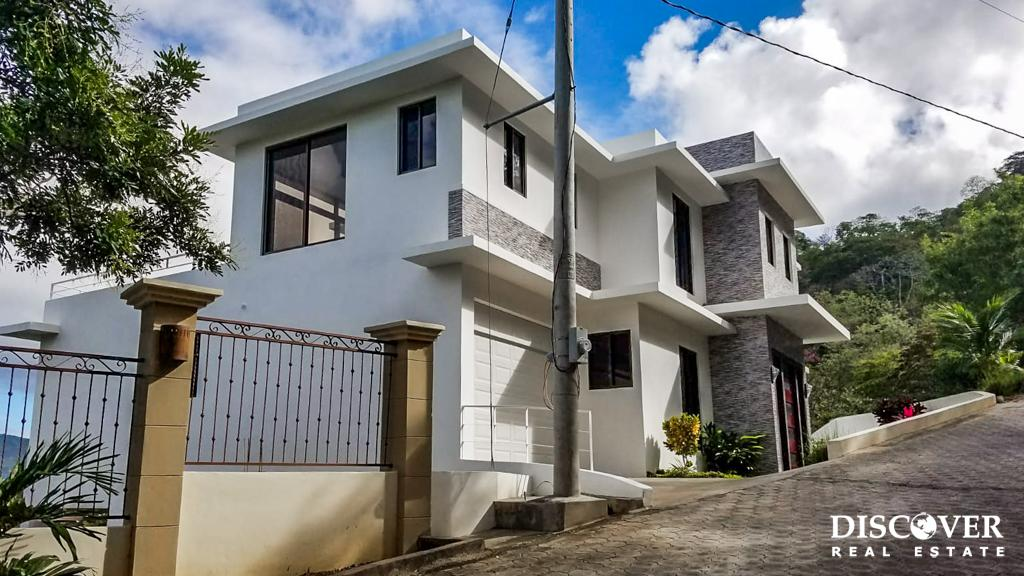 Modern Brisas del Pacifico 4 Bedroom House with Oversized Garage