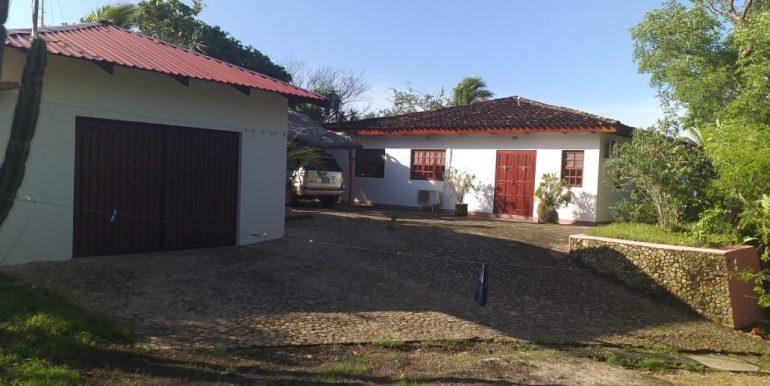 Casa Mariposa Garage