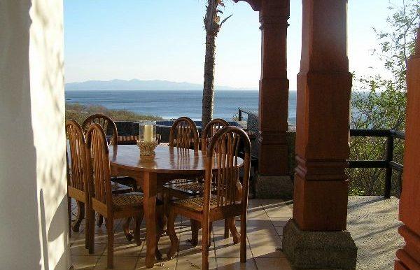 Casa Mariposa outdoor dining