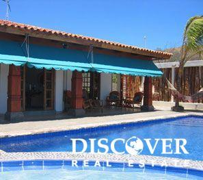 Casa Mariposa pool