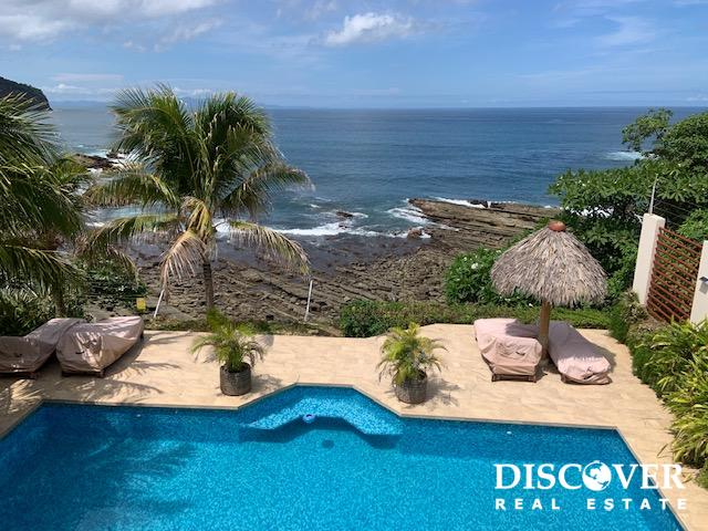 Casa Samelia Pacific Oceanfront House with Stairs to the Ocean