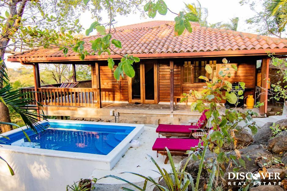Beautiful Villa With Brazilian Hardwoods in Redonda Bay