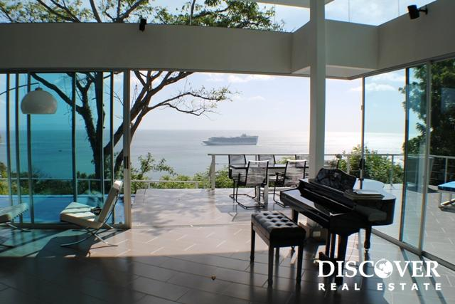 Contemporary Style Luxury Home in Pacific Marlin