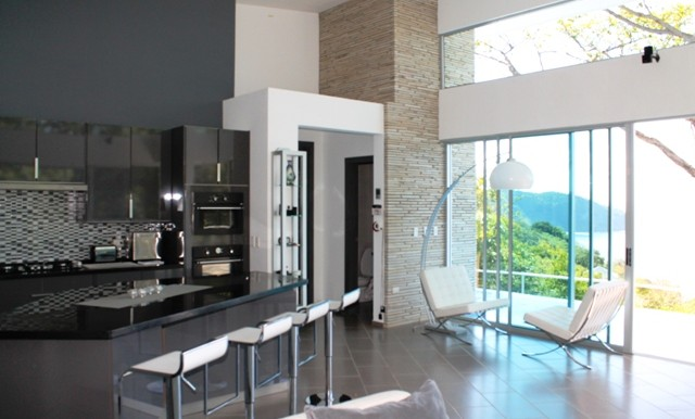 Contemporary Style Luxury Home