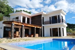 Casa Olimar Pool and house