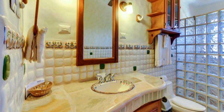 Casa Verde Bathroom