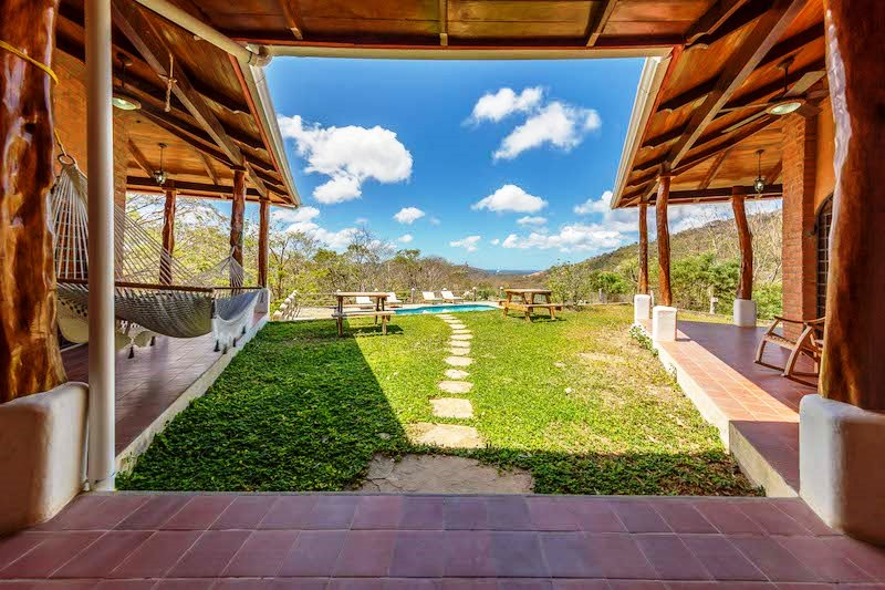 Casa Mango Yard View