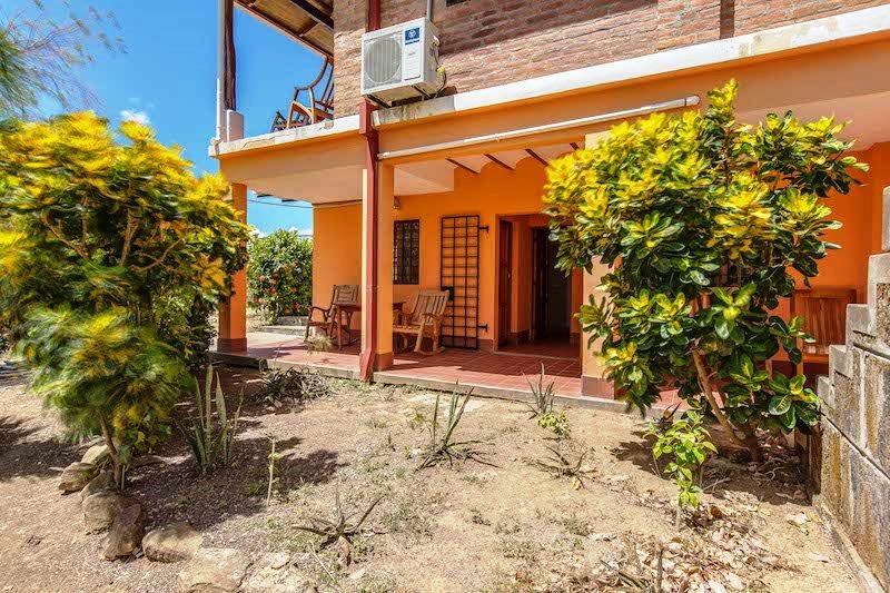 Casa Mango Side Entrance