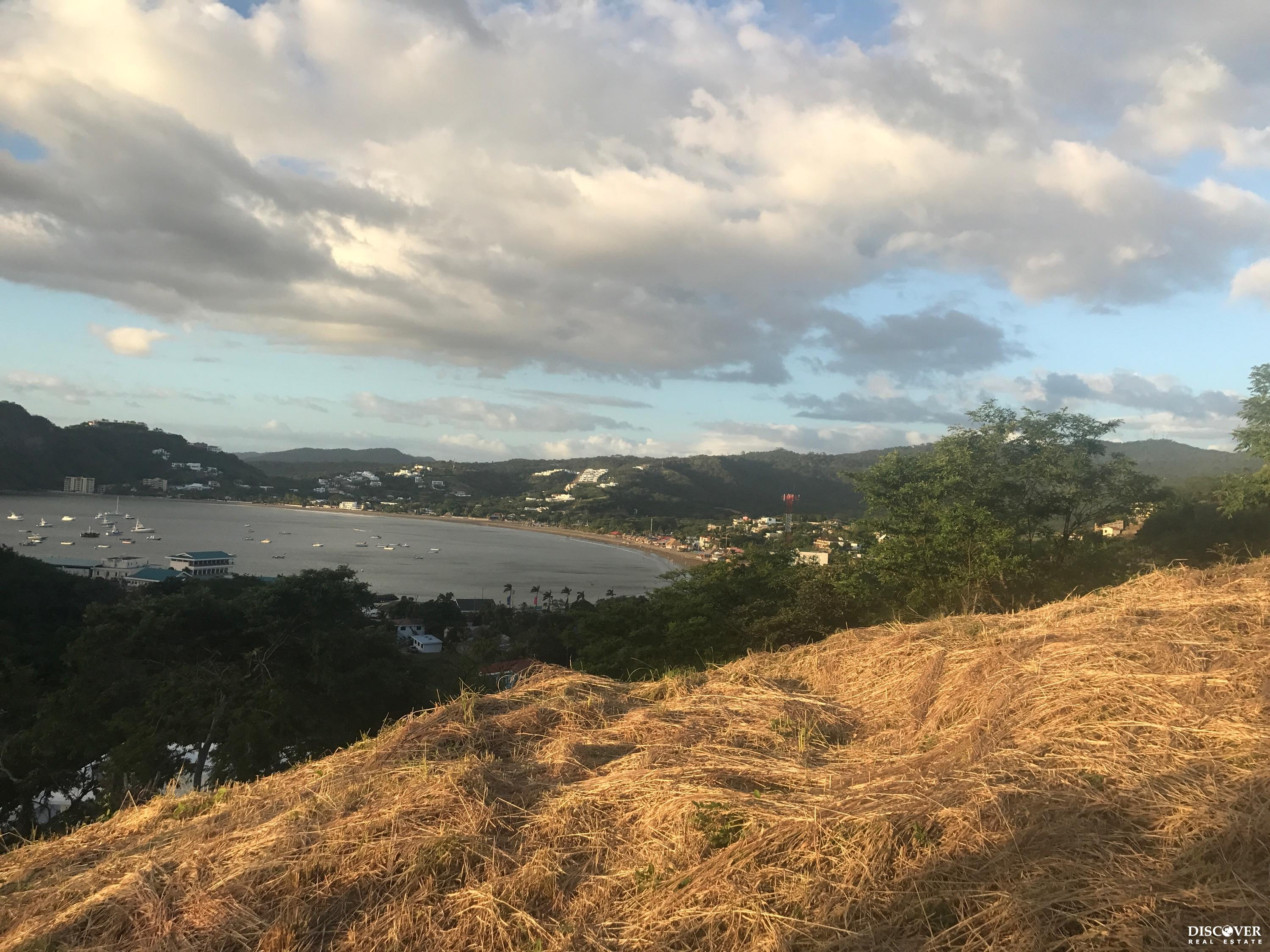 Brisas del Pacifico – LARGE bay view lot, minutes walk to the beach
