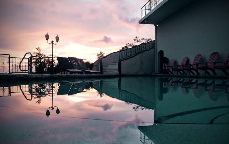 Casa Bahia 6 Pool at sunset