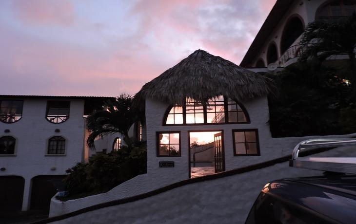 Casa Bahia 7 Door at sunset