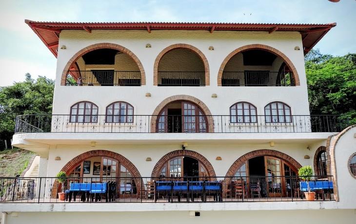 Casa Bahia 8 all floors from pool