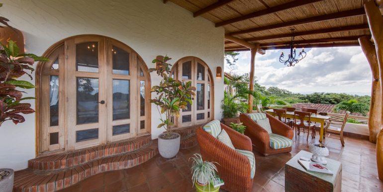 Villa Loma Botique Bed and Breakfast Patio