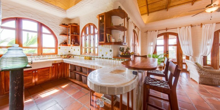 Villa Loma Botique Bed and Breakfast Kitchen