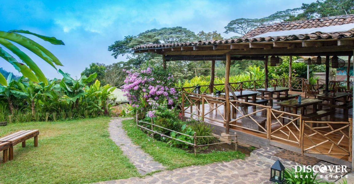 Finca Esperanza Verde – 247 Acre Eco Lodge & Coffee Farm